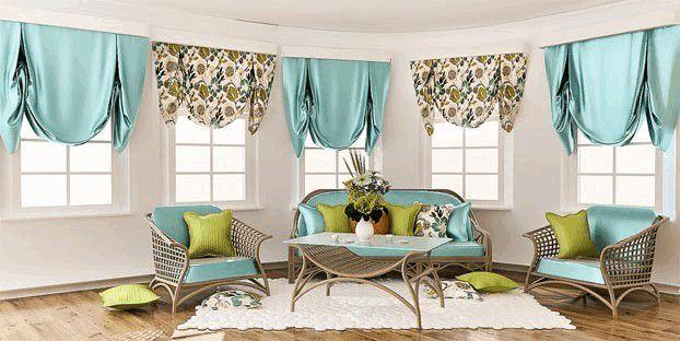окна гостиной оформлены английскими шторами