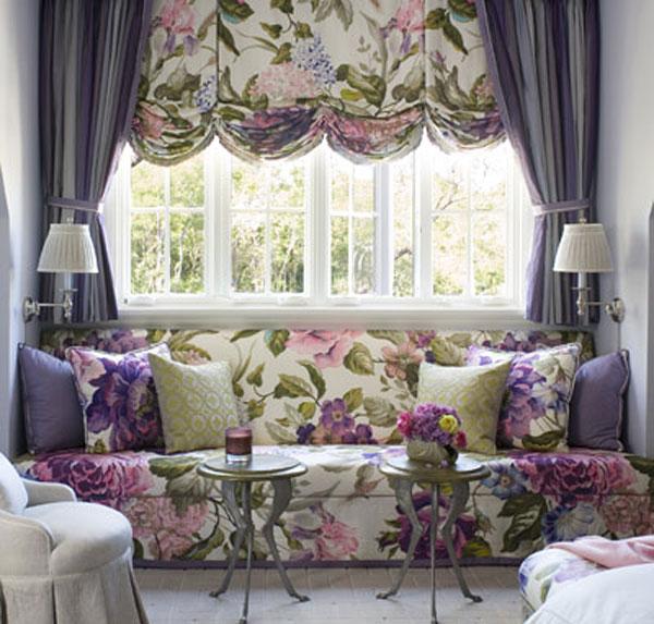 сочетание расцветки штор для зала с обивкой мебели