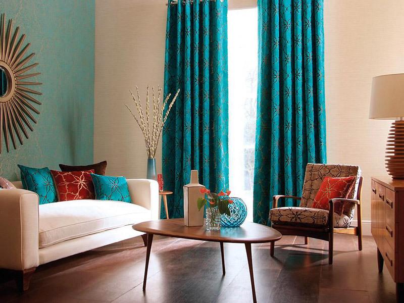 шторы бирюзового цвета в гостиной