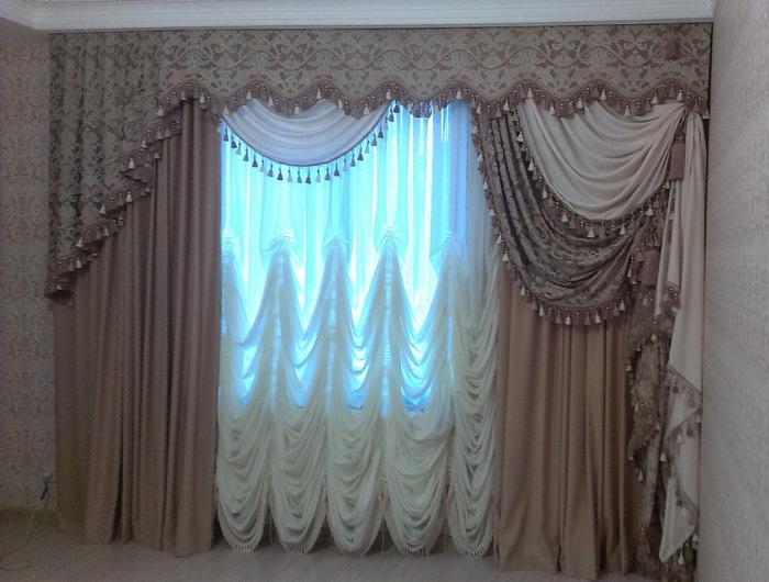 фото франзуской занавески в интерьере гостиной