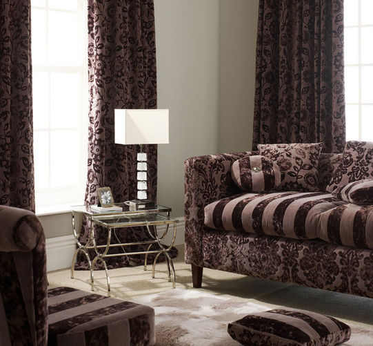 обивка мебели и шторы из бархата