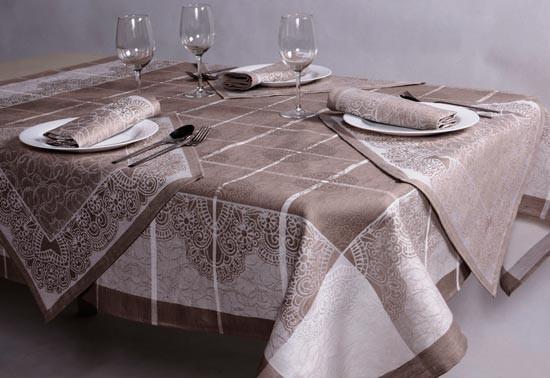 Комплект скатерть и салфетки из льняной ткани