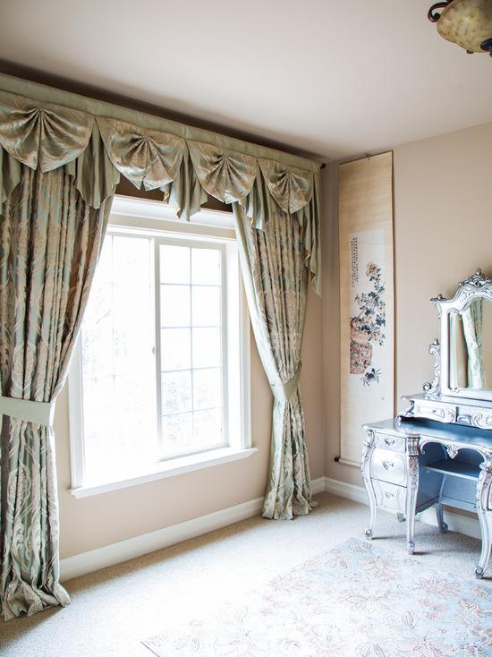 фото ламбрекенов для гостиной в восточном стиле