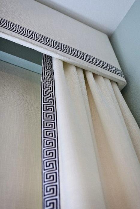 фото штор и ламбрекена в греческом стиле