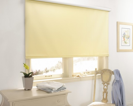 фото рулонной шторы в спальне