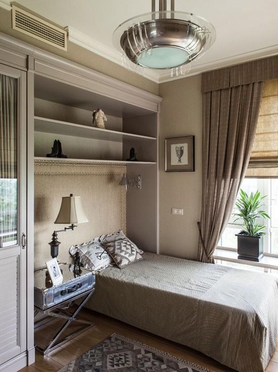 рулонные и простые шторы в комнате мальчика