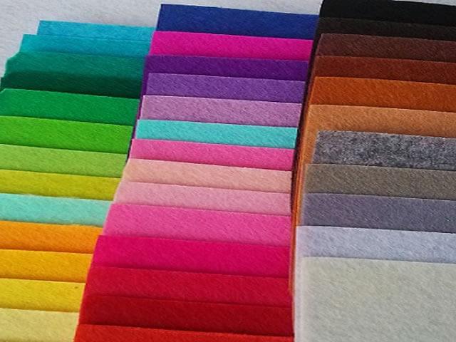 Яркие цвета тканей с добавлением акрила