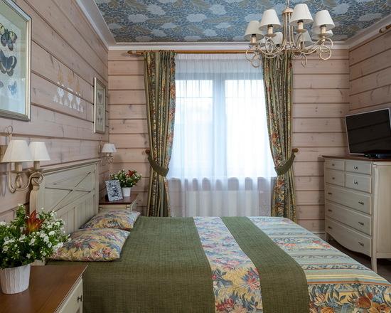 шторы в деревенском стиле в спальной комнате