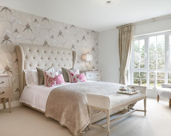 шторы в классическом стиле в интерьере спальной комнаты