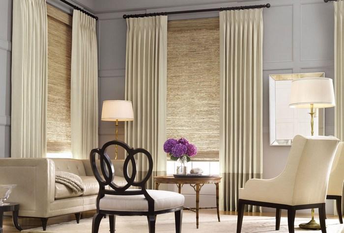 фото рулонных штор в интерьере гостиной комнаты