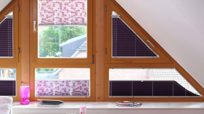 фото штор плиссе на окне нестандартной формы