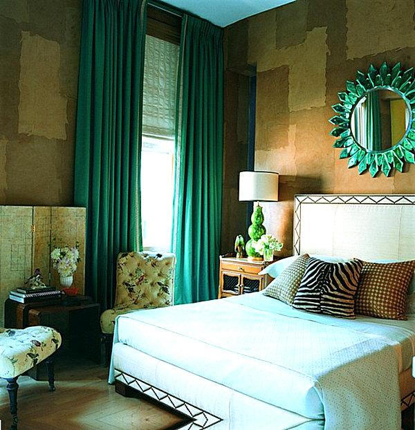 фото штор изумрудного цвета в спальне