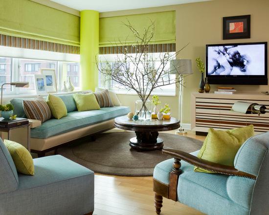 фото зеленых римских штор в гостиной