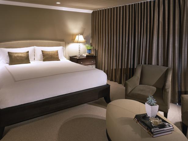 фото коричневых портьер для спальни