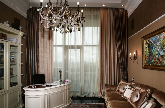 фото коричневых штор в кабинете