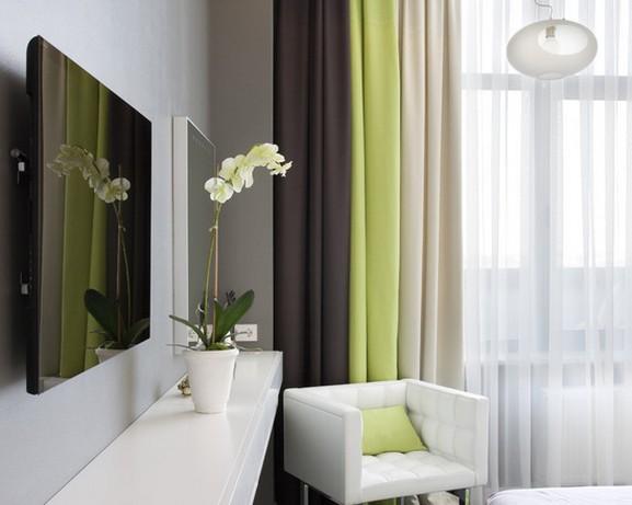 сочетание цвета портьер для спальни