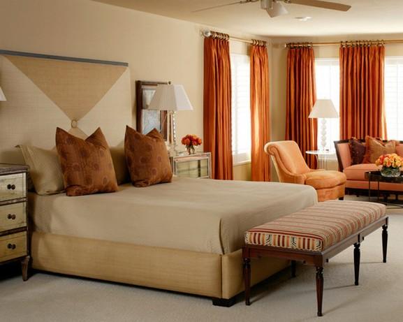 оранжевые портьеры для современной спальни