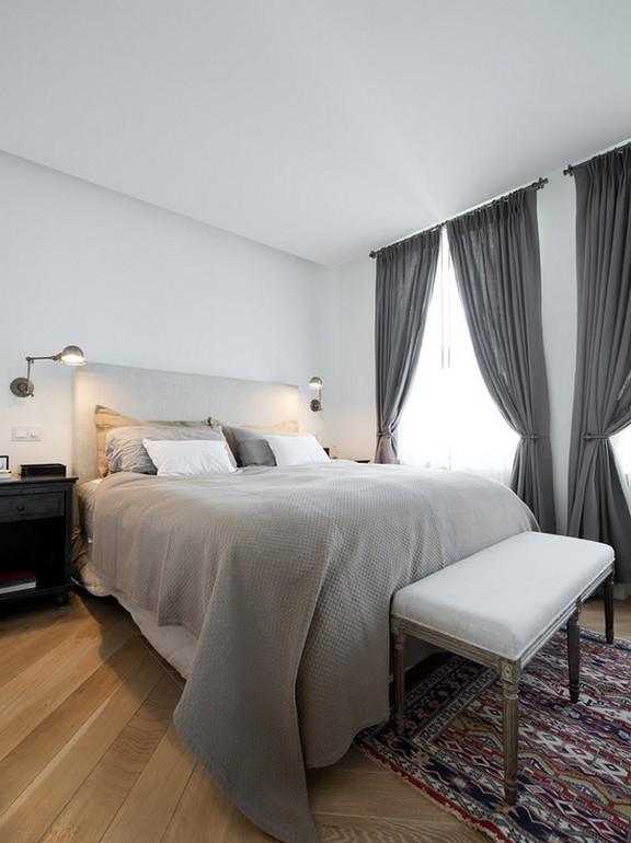 серые льняные занавески в спальне