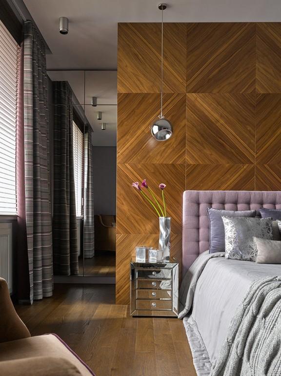 полосатые портьеры в современной спальне