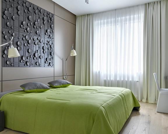 однотонные прямые шторы в спальне
