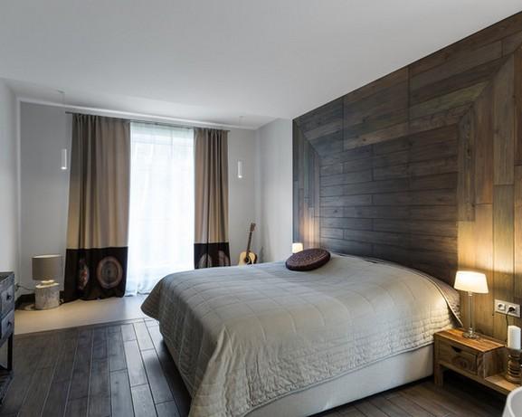 бежево-коричневые плотные портьеры в спальне