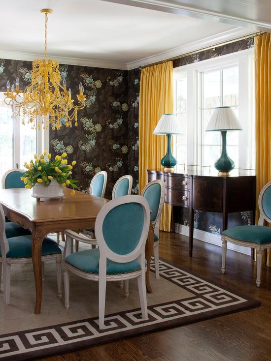фото сочетания желтых штор с голубым цветом мебели