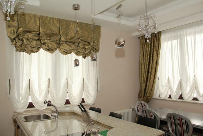 австрийские шторы в кухне