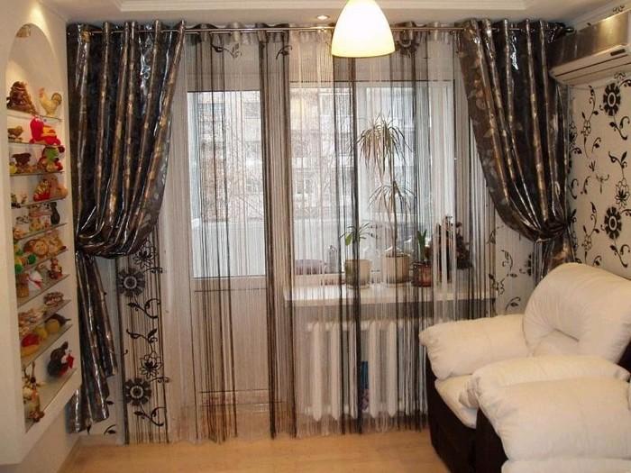 шторы-нити для зала с балконом