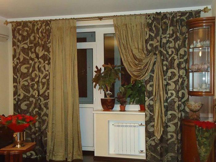 шторы для гостиной с балконной дверью на подхвате