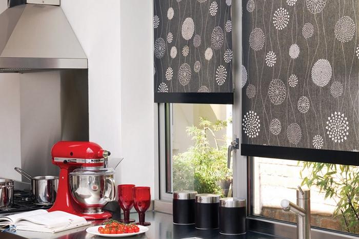 рулонные шторы в кухне