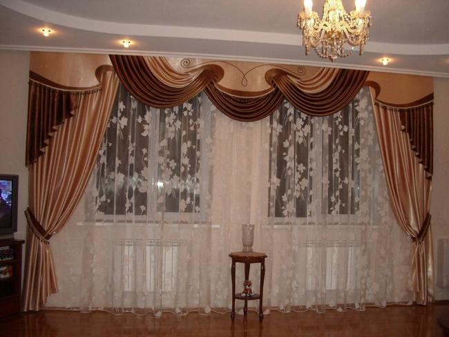 шторы на 2 окна с одним ламбрекеном