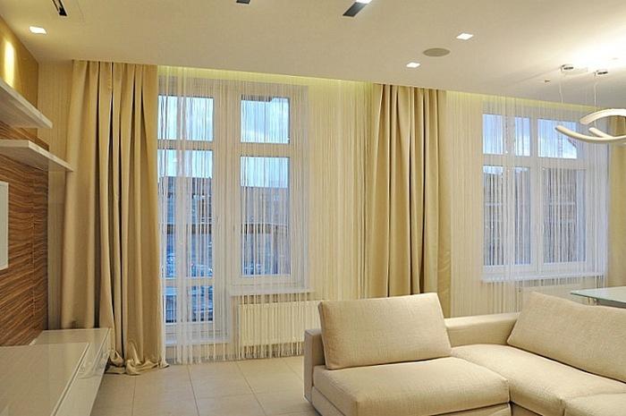 нитяные шторы для гостиной с балконной дверью