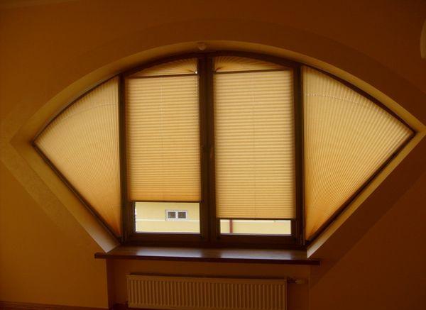 плиссированные жалюзи на окна нестандартной формы