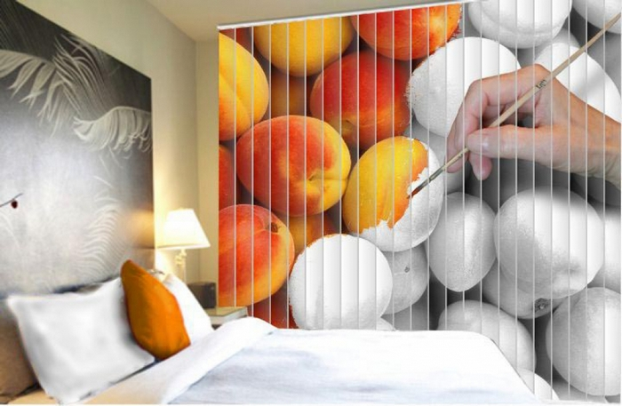 жалюзи с рисунком в спальне