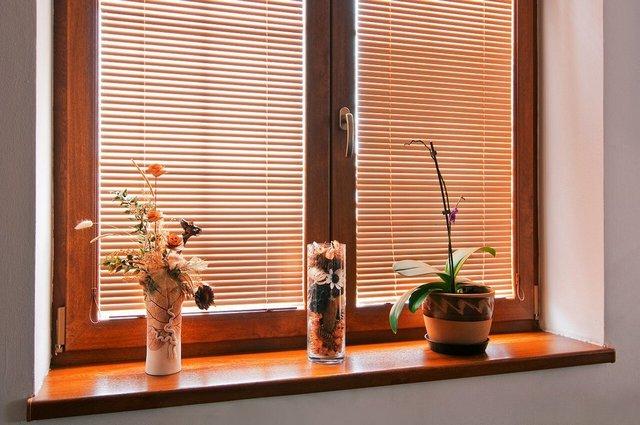 особенность жалюзи Изолайт для пластиковых окон