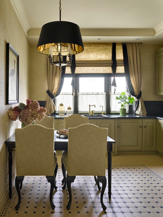 сочетание штор с цветом мебели на кухне