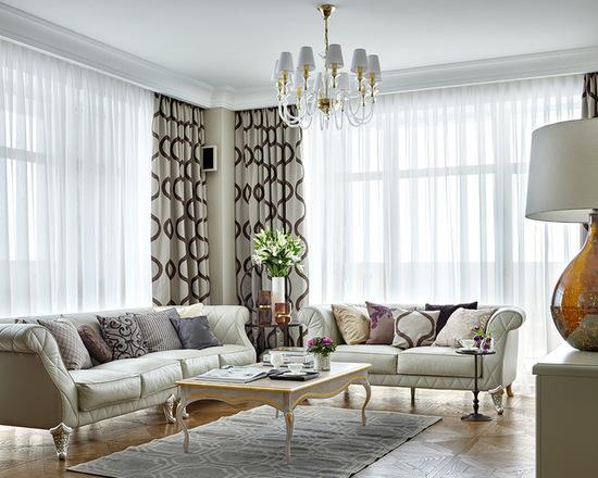 белый тюль и шторы в дизайне гостиной