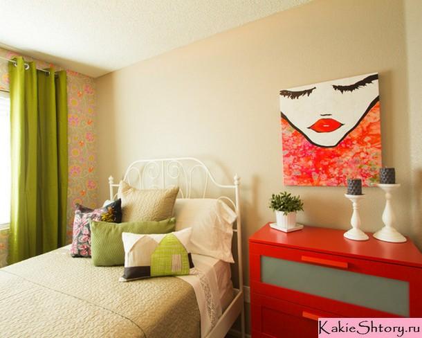 шторы салатового цвета в пальной комнате