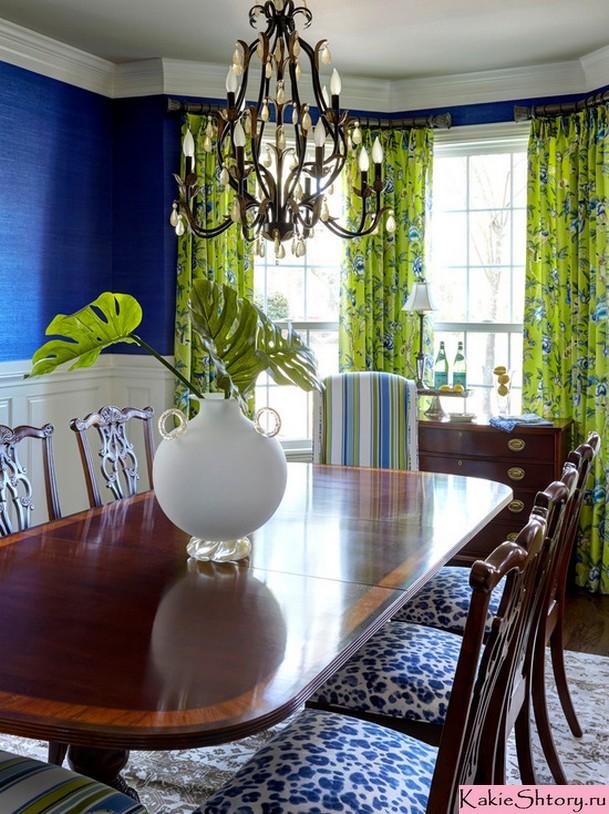 салатовые шторы с рисунком в столовой