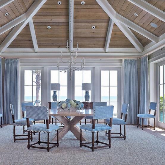 шторы в морской стилистике в столовой