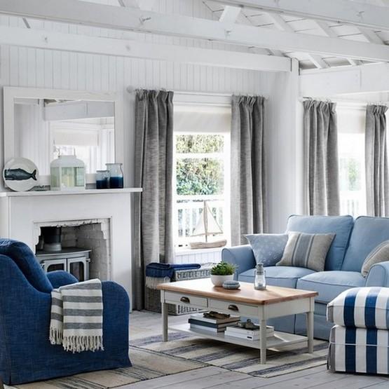 льняные шторы в морском стиле в гостиной