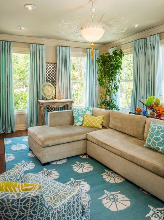 гостиная в бирюзово-зеленых тонах в морском стиле