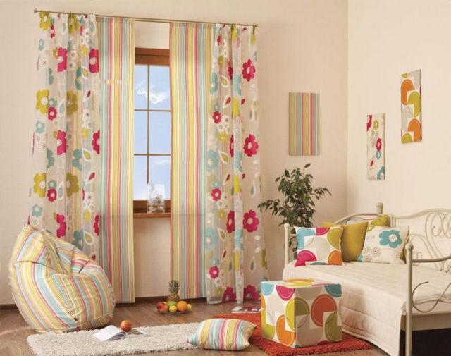 летние шторы в комнате девочки