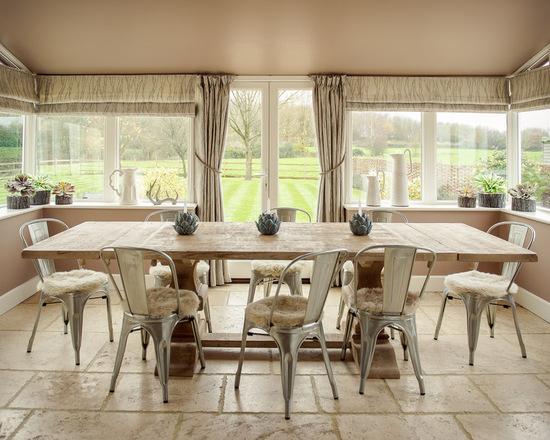 плотные портьеры с римскими шторами в столовой