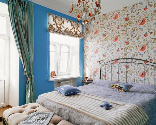 римская штора и портьеры - фото дизайна в спальне