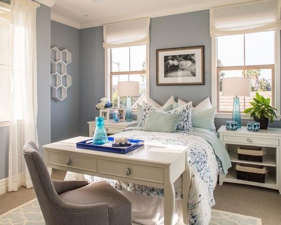 сочетание тюля и римской шторы в спальне