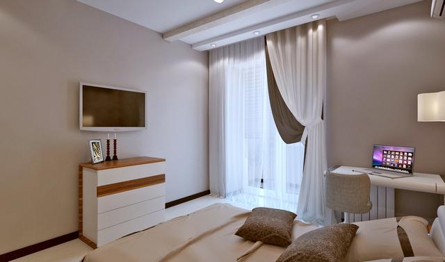тюль и шторы в спальне с балконнной дверью