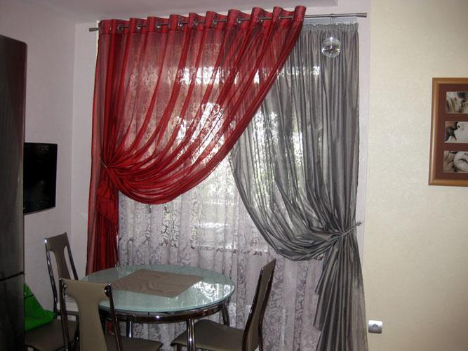 двойная штора на кухне