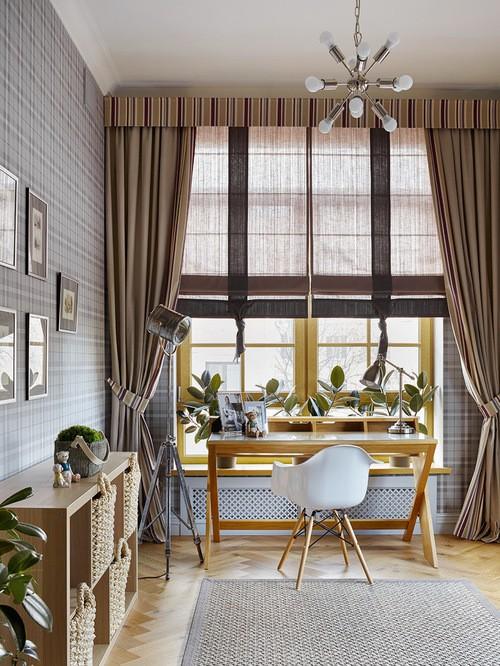 римская штора с портьерами в комнате подростка