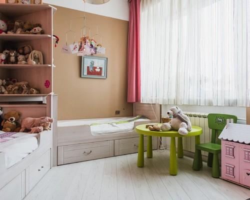 двойные шторы до подоконника в детской